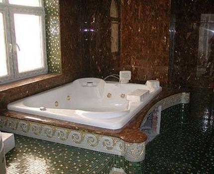 мозаичная ванная
